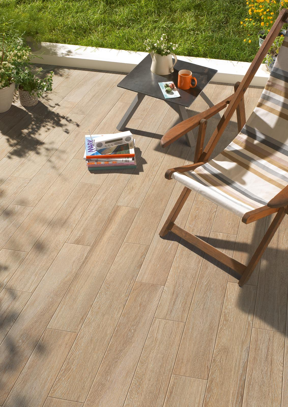 Planet - Wood Effect - Outdoor