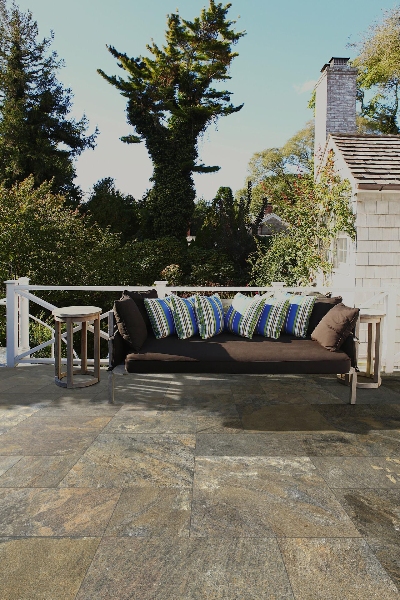 Rocking - Stone Effect - Outdoor