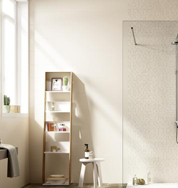 Shine – glossy wall covering for the modern bathroom