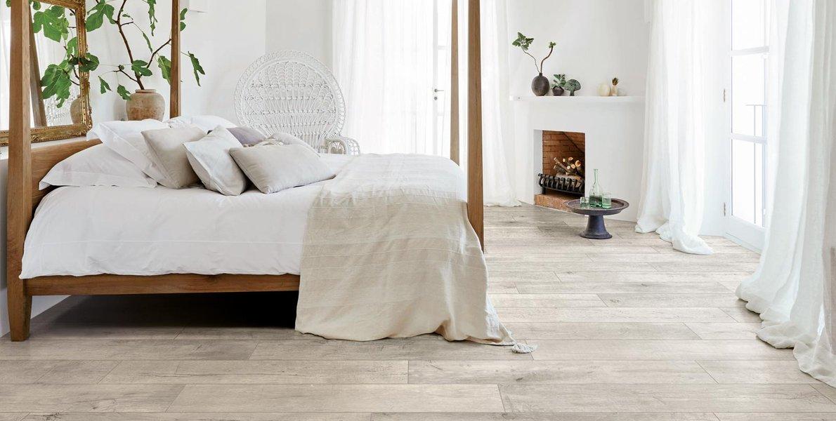 Floor Of A Shabby Chic Bedroom Marazzi, Shabby Chic Laminate Flooring