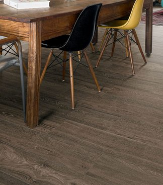 Treverkview, the unique vein patterns of oak in the new Marazzi wood-effect stoneware