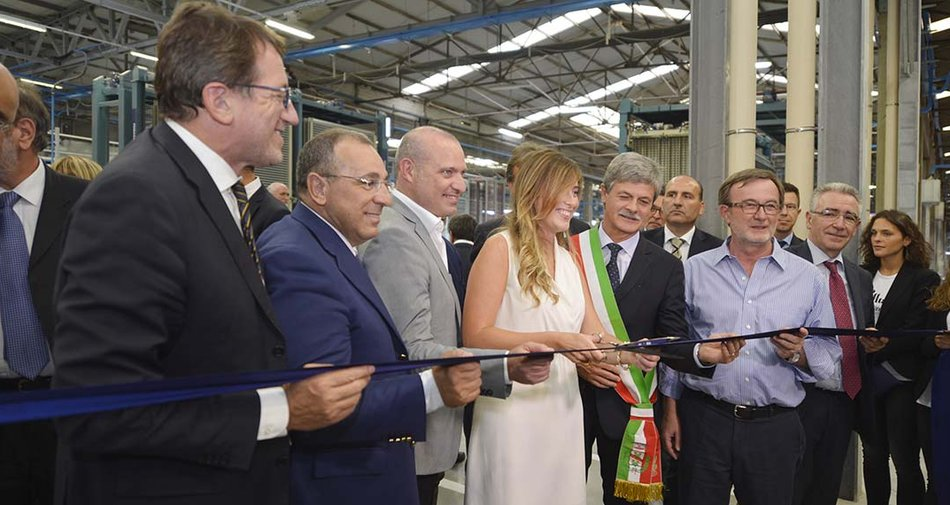 Ribbon-cutting ceremony with Minister Boschi for the new Marazzi Fiorano factory