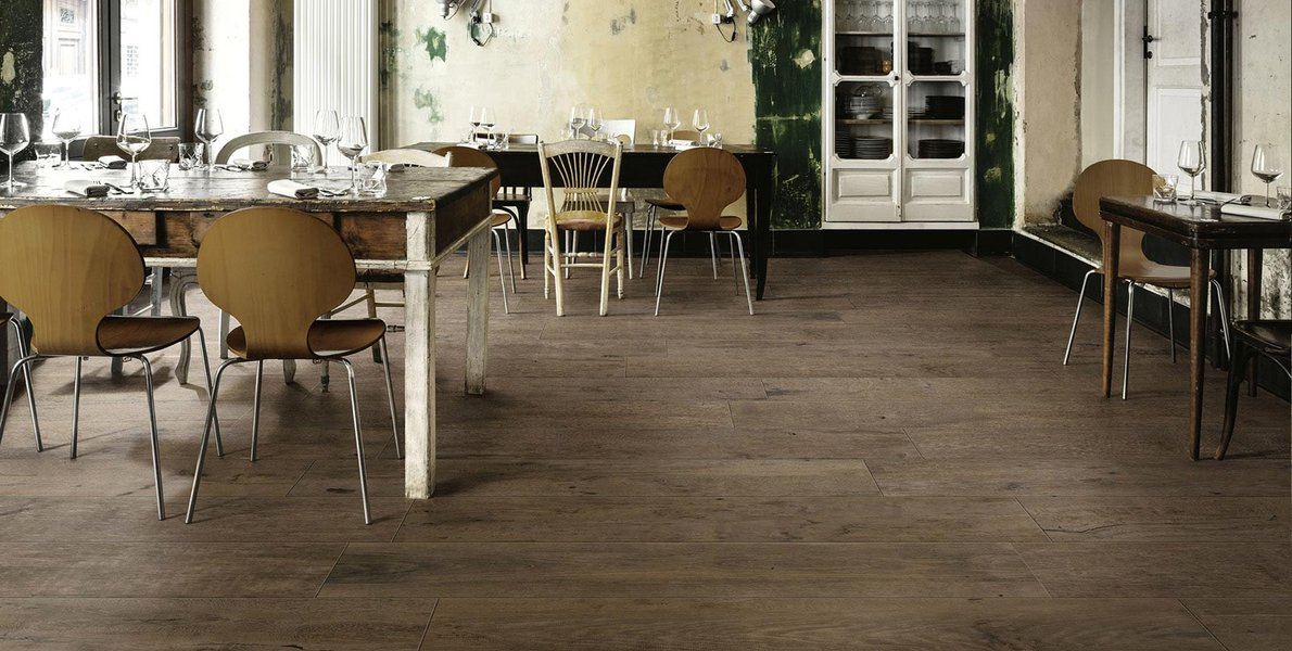 All the charm of time-worn wood in Treverkdear porcelain stoneware