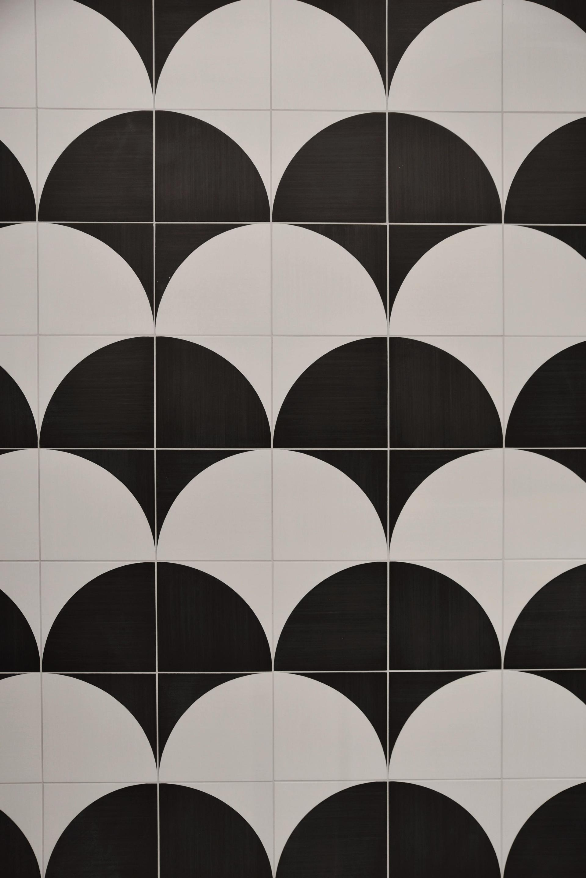 Black and White Tiles for a Guesthouse in the Heart of Naple