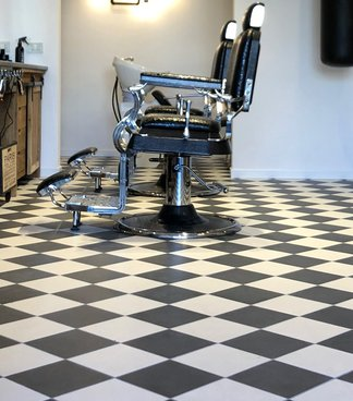 Brown Hair Experience, a trendy barber's shop in Taranto