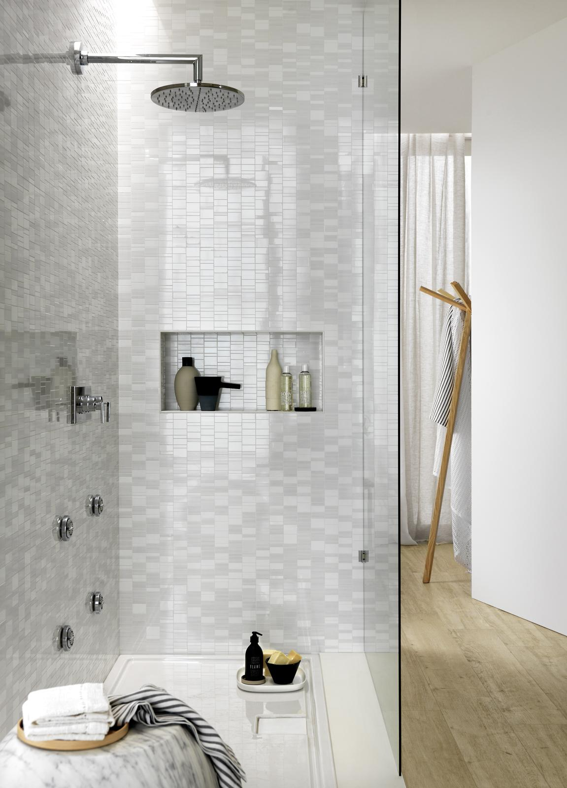 Colorup designs your bathroom with colour 2324
