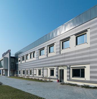 Farmaca International - raised floor ventilated wall